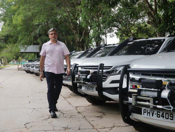 Sema e Ipaam recebem veículos novos para reforçar o combate de crimes ambientais no Estado