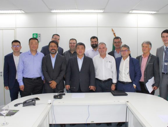 Comitiva de executivos de conglomerado chinês prospecta investimentos no setor mineral amazonense