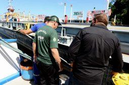 Ipaam aplica multa de R$ 600 mil em empresa responsável pelo vazamento de emulsão asfáltica no rio Negro