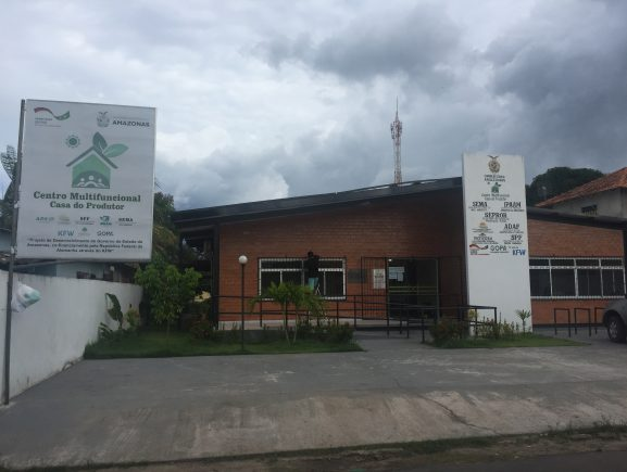 Ipaam realiza mutirão em Parintins para emissão de carteira de pesca e outros serviços