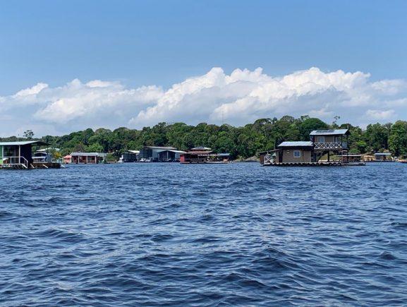 Ipaam realiza ações de educação ambiental no lago do Tarumã-Açu