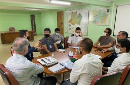 Ipaam reúne grupo de trabalho para tratar de ordenamento e regularização de flutuantes na bacia do Tarumã-Açu